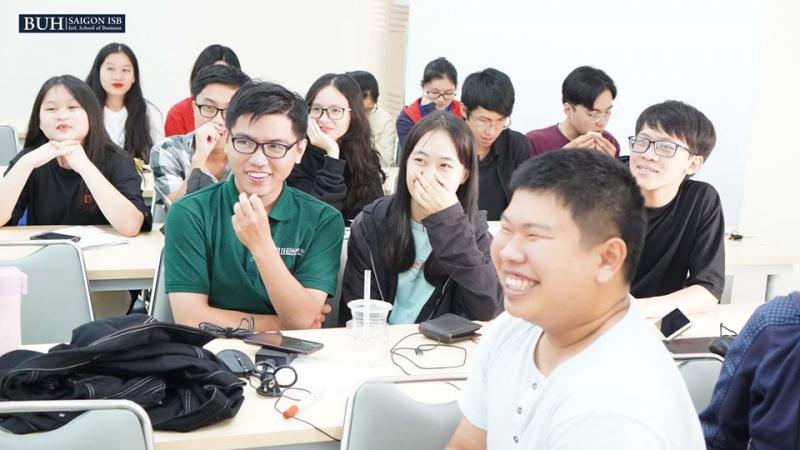 Sinh viên Đại học Ngân hàng TP.HCM