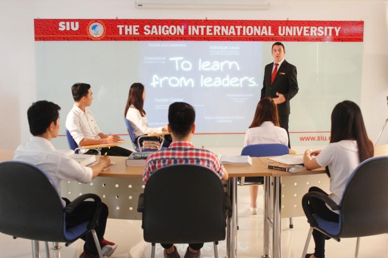 Hội thảo nghiên cứu Quản trị kinh doanh tại trường Đại học Quốc tế Sài Gòn