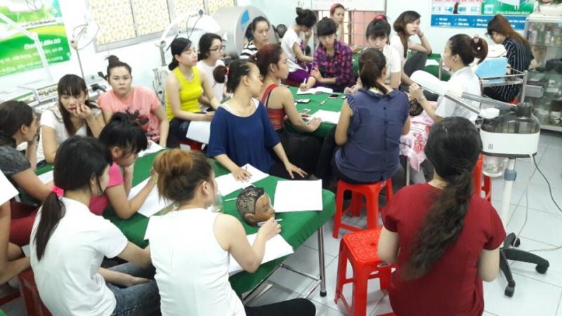 Trường dạy nghề thẩm mỹ Xinh Xinh - trường dạy chăm sóc da uy tín và chất lượng nhất TP. HCM
