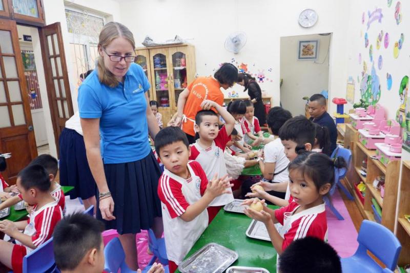 Trải nghiệm làm bánh trung thu tại trường mầm non B Hà Nội dịp tết Trung Thu 2019