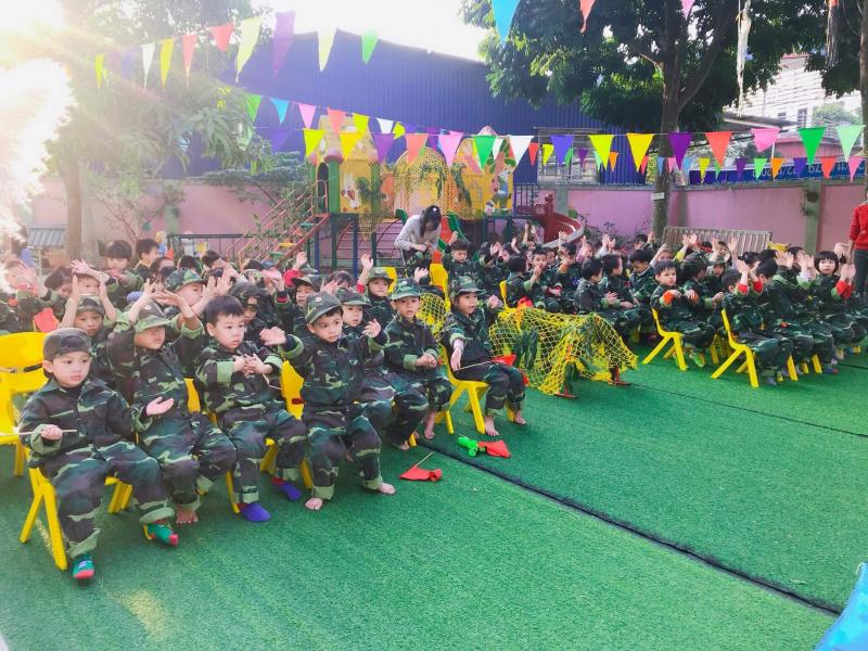 Bon Bee School tổ chức ngoại khóa quốc phòng cho các bé