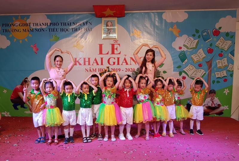 Ở Thái Hải, bạn hoàn toàn có thể tin tưởng rằng quan hệ giữa giáo viên và học sinh cũng gần gũi như mẹ con trong nhà