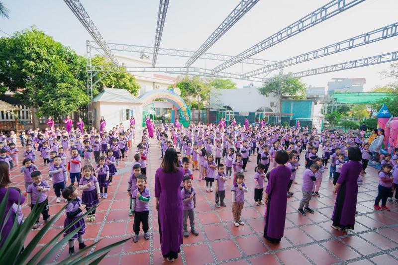Học sinh Trường Mầm Non Hoa Thủy Tiên trong hoạt động thể dục buổi sáng