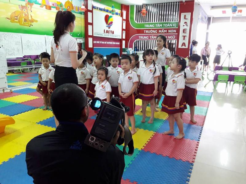 Một buổi học của các bé trường Laeta.