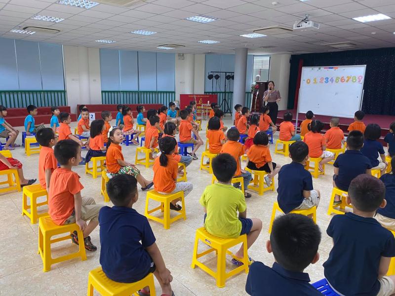 Trường mầm non Rainbow Montessori - Bắc Linh Đàm