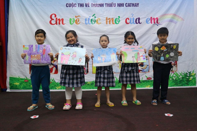 Một tiết giao lưu của trẻ với bộ đội tại Trường mầm non Sơn Ca huyện Nhà Bè