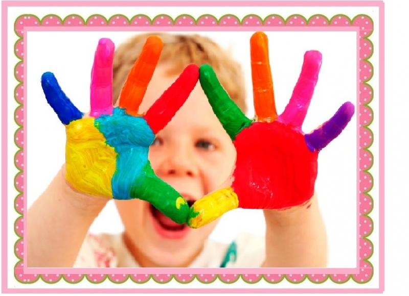 Các bé được thỏa sức sáng tạo khi học tại trường mầm non song ngữ cao cấp Little Foot
