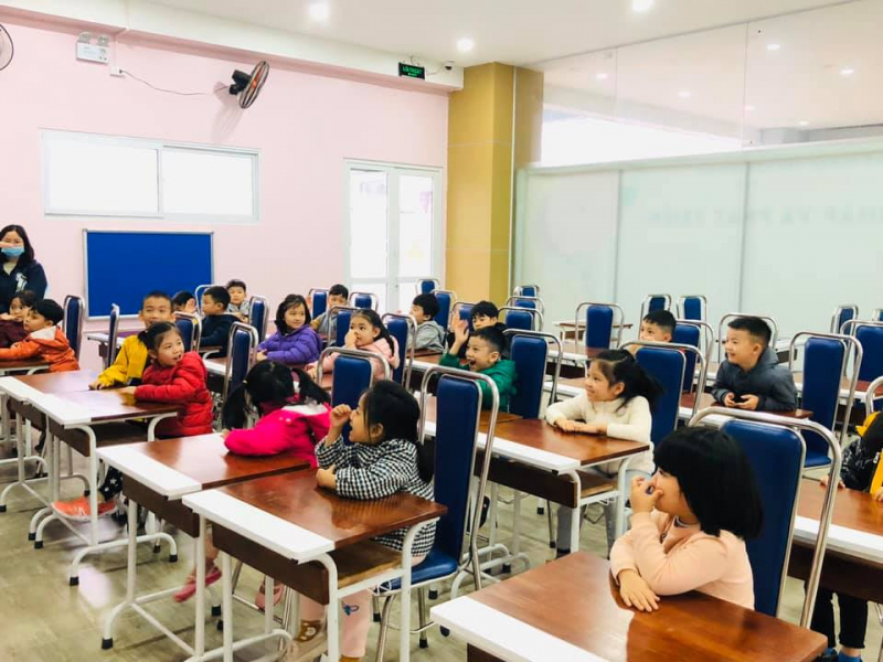 Trường mầm non song ngữ Việt Mỹ Montessori