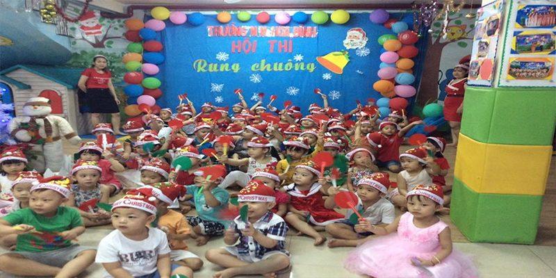 Giây phút vui chơi của trẻ tại Trường mầm non tư thục Ánh Linh