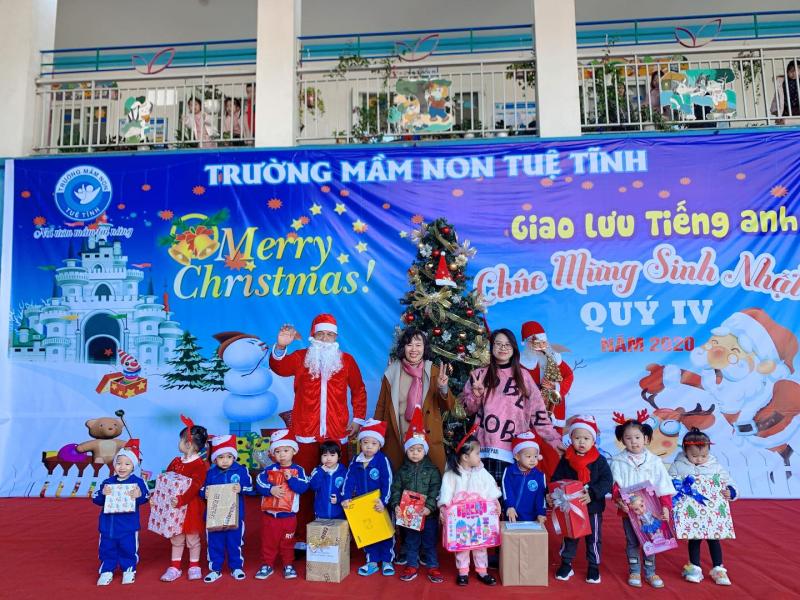 Mầm non Tuệ Tĩnh tổ chức chương trình Noel, giao lưu tiếng anh và sinh nhật các bạn nhỏ quý IV