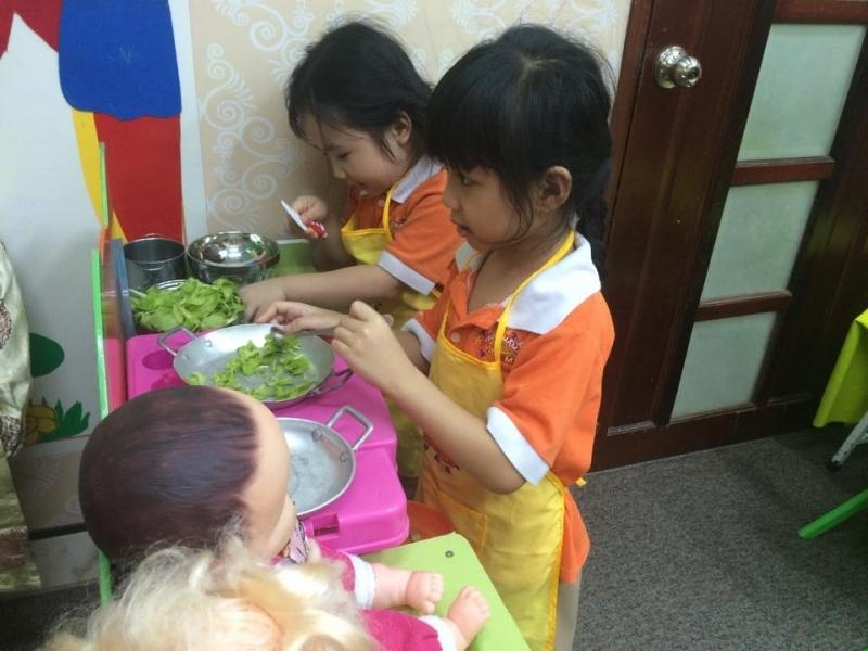Trẻ được học hỏi, quan tâm chăm sóc như ở nhà