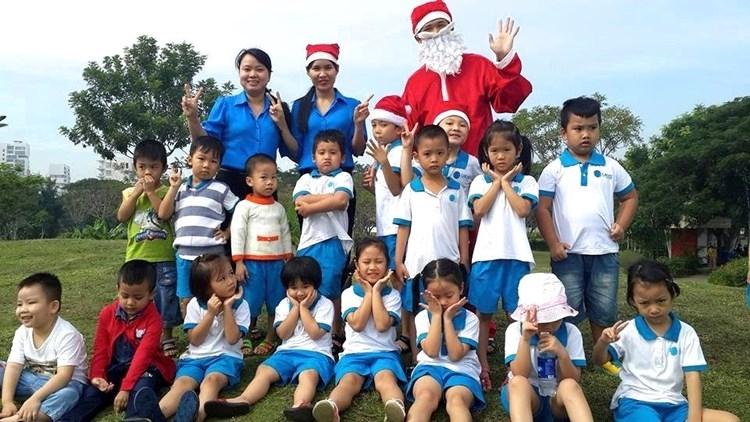 Trẻ thường xuyên được đi dã ngoại để mở mang kiến thức