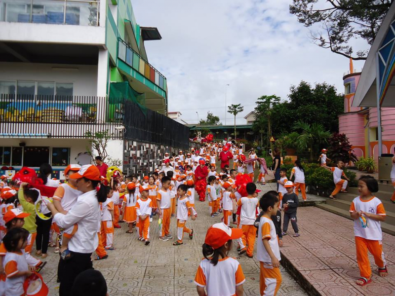 Trường mẫu giáo tư thục Họa Mi – Bảo Lộc là đơn vị đầu tiên thuộc bậc Mầm non tư thục của TP Bảo Lộc được công nhận đạt chuẩn Quốc gia