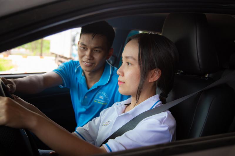 Khi đăng ký học giấy phép lái xe tại Trường Sát Hạch Lái Xe Tây Ninh bạn sẽ được học cùng những giáo viên nhiệt tình, giàu kinh nghiệm và đầy tâm huyết với nghề