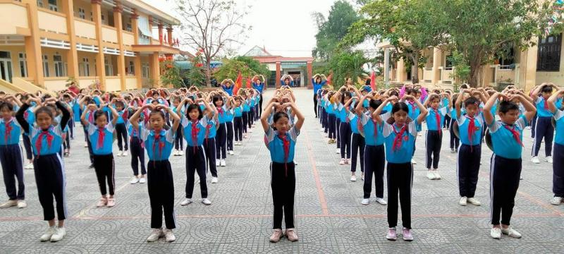 Trường TH số 2 Quảng Hòa