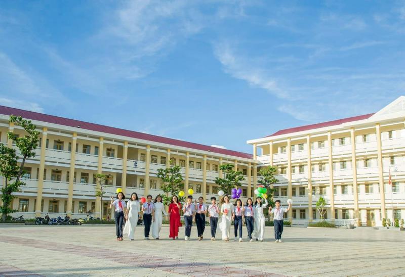 Trường THCS & THPT Liên Việt