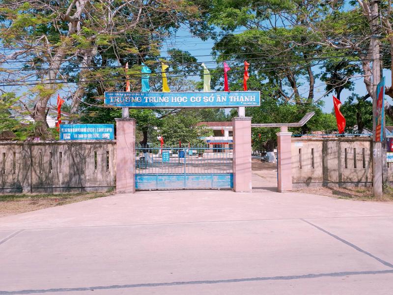 Trường THCS Ân Thạnh