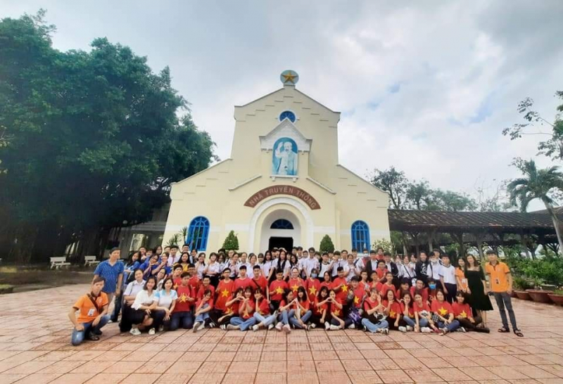 Trường THCS Âu Cơ