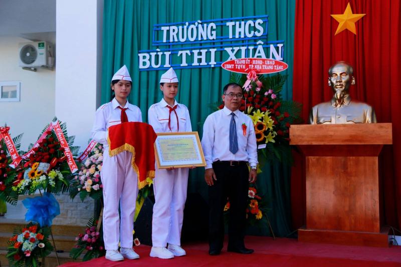 Trường THCS Bùi Thị Xuân