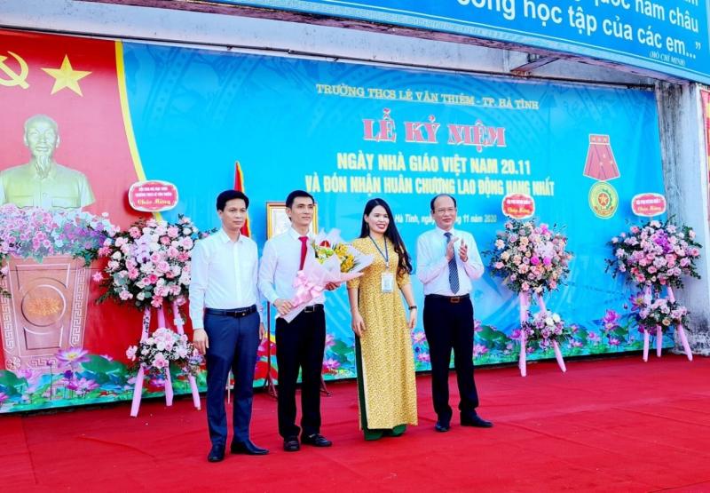 Trường THCS Lê Văn Thiêm