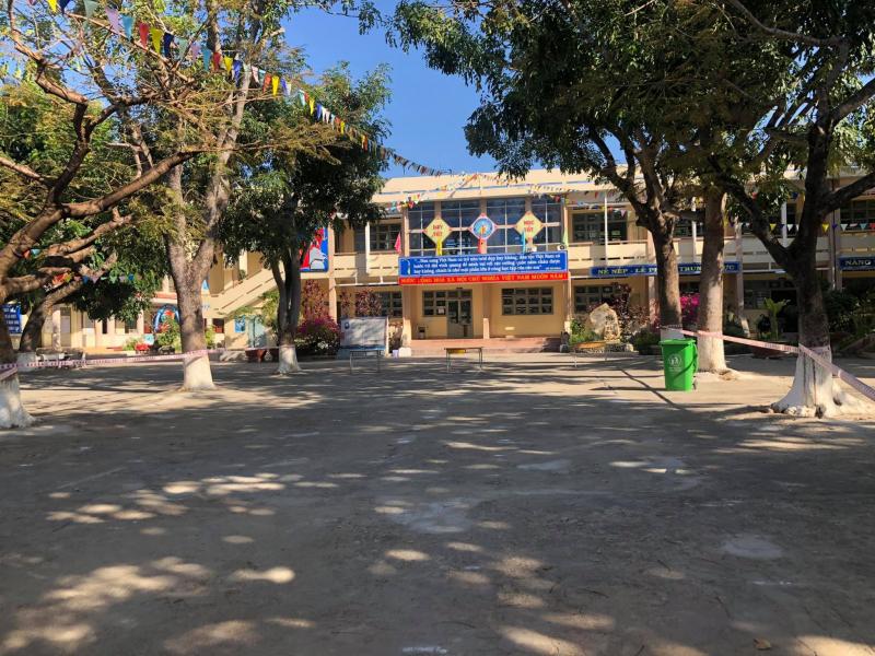 Trường THCS Nguyễn Sinh Sắc