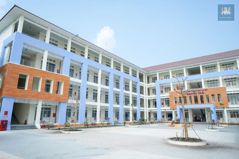Trong 5 năm qua trường THCS Nguyễn Trãi có học sinh lên lớp thẳng đạt 90% trở lên, tốt nghiệp trung học cơ sở đạt 100%, hạnh kiểm đạt 100% từ trung bình trở lên.