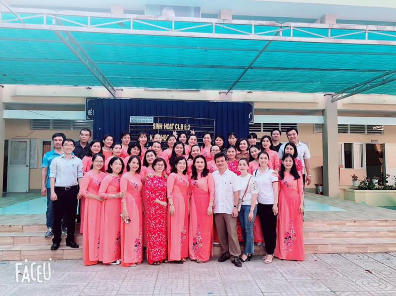 Trong nhiều năm liền trường THCS Phan Bội Châu đạt danh hiệu trường tiên tiến xuất sắc