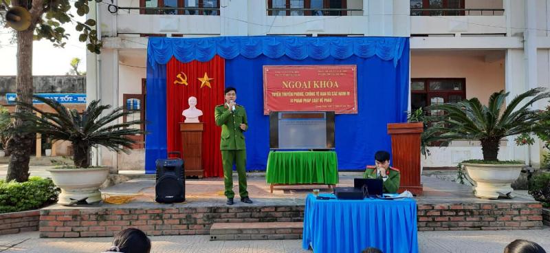 Trường THCS Quảng Trung