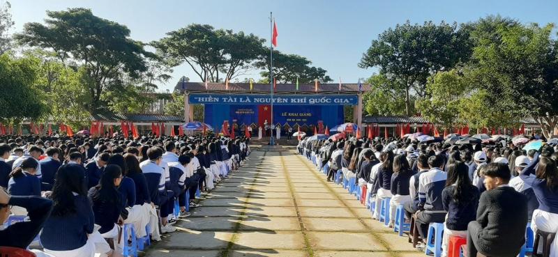 Trường THPT Bùi Thị Xuân