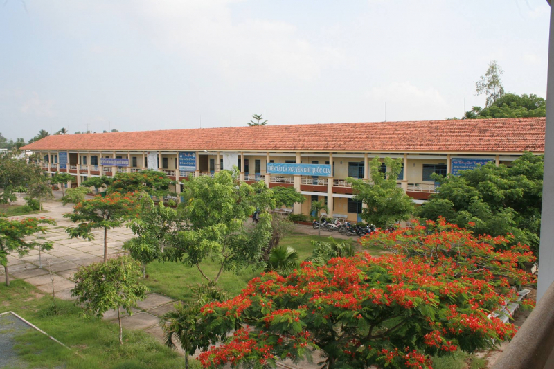Trường THPT Chu Văn An khắc sâu trong lớp lớp thế hệ giáo viên và học sinh tình yêu và niềm tự hào.
