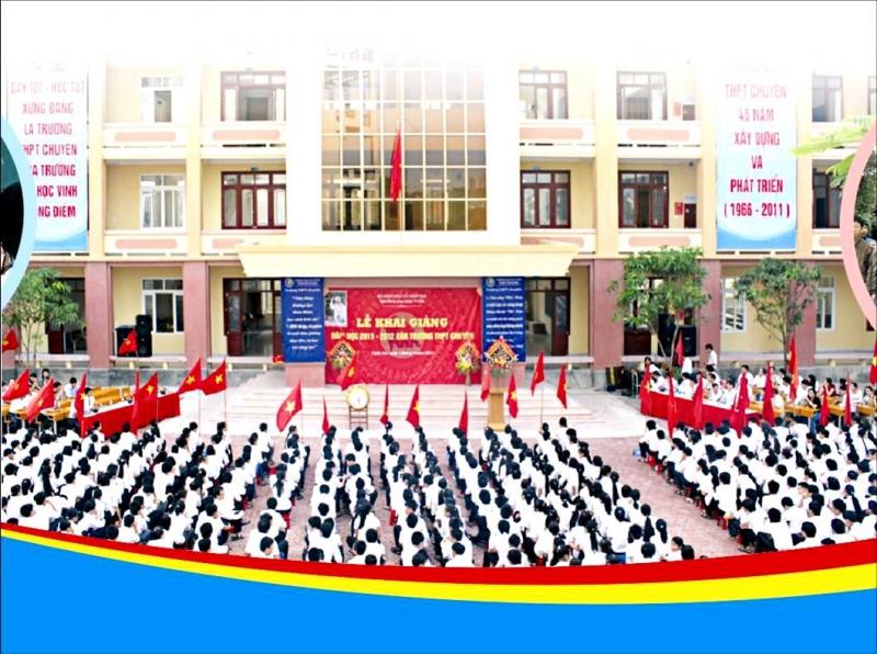 Lễ khai giảng của trường THPT chuyên Đại học Vinh
