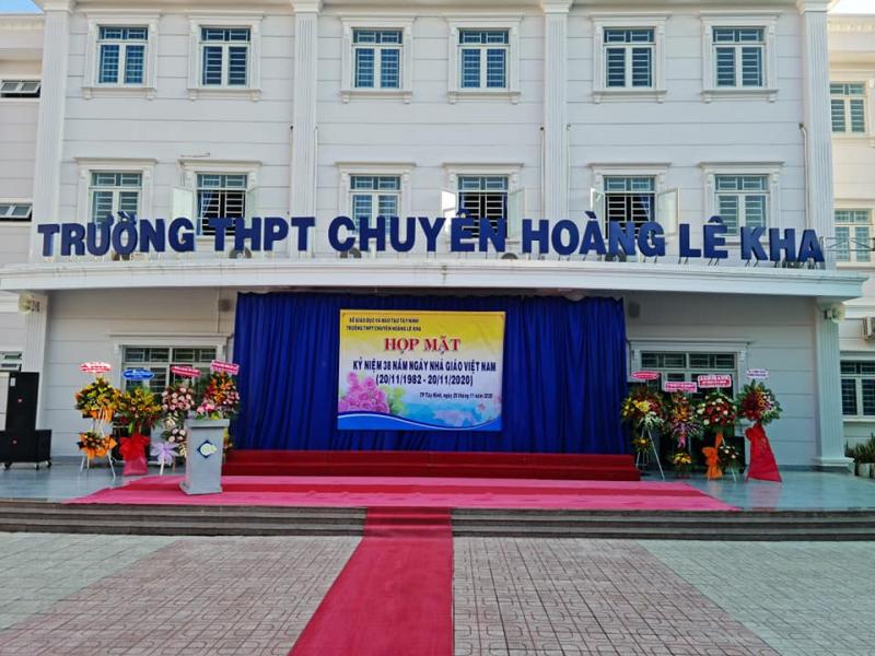 Với gần 30 năm cống hiến cho ngành giáo dục, Trường THPT Chuyên Hoàng Lê Kha đã tạo ra bao thế hệ trẻ đủ tài đủ đức để phụng sự cho sự nghiệp phát triển của đất nước