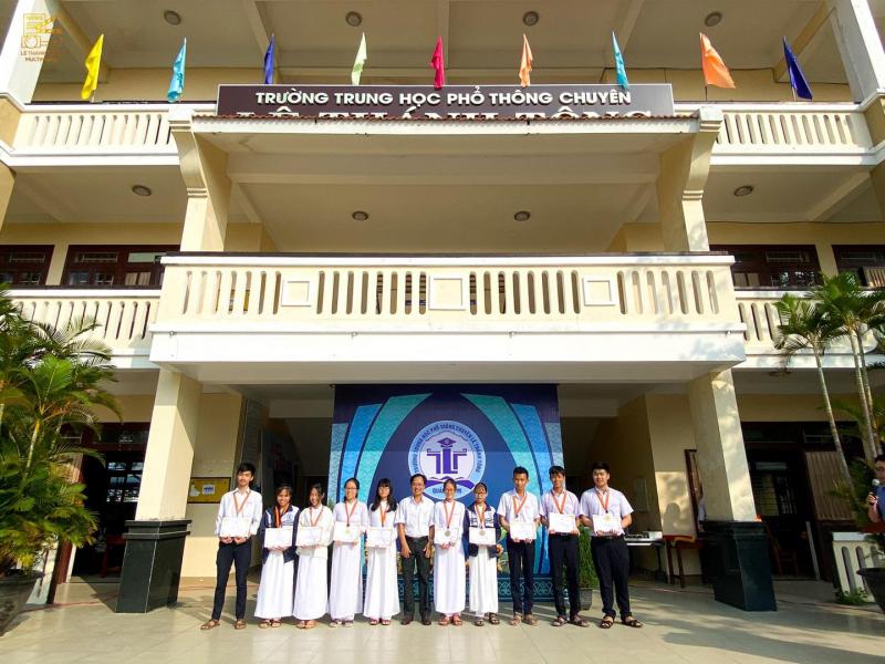 Trường THPT Chuyên Lê Thánh Tông