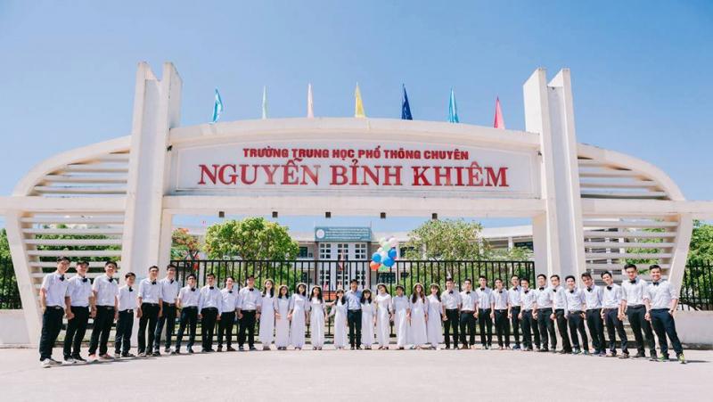 Trường THPT Chuyên Nguyễn Bỉnh Khiêm