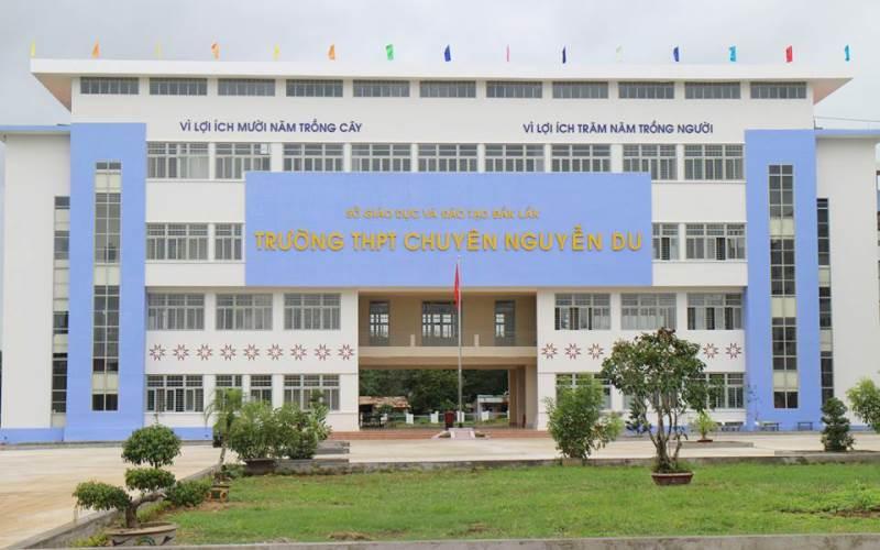 Trường THPT Chuyên Nguyễn Du