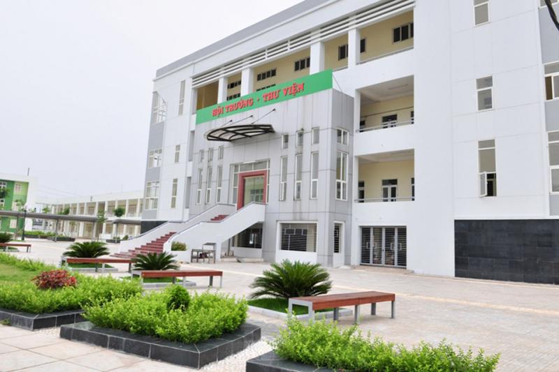 Trường THPT chuyên Nguyễn Huệ - Hà Nội