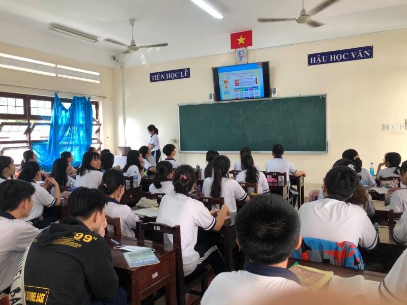 Nhà trường luôn không ngừng trường thành từ cơ sở vật chất đến chất lượng dạy và học