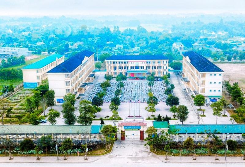 Trường THPT Hương Sơn Hà Tĩnh