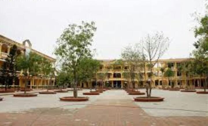Khuôn viên trường THPT Nam Sách