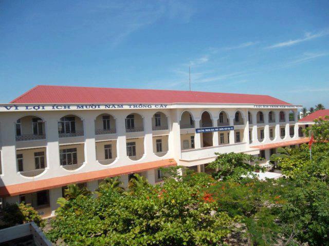 Trường THPT Ngô Gia Tự