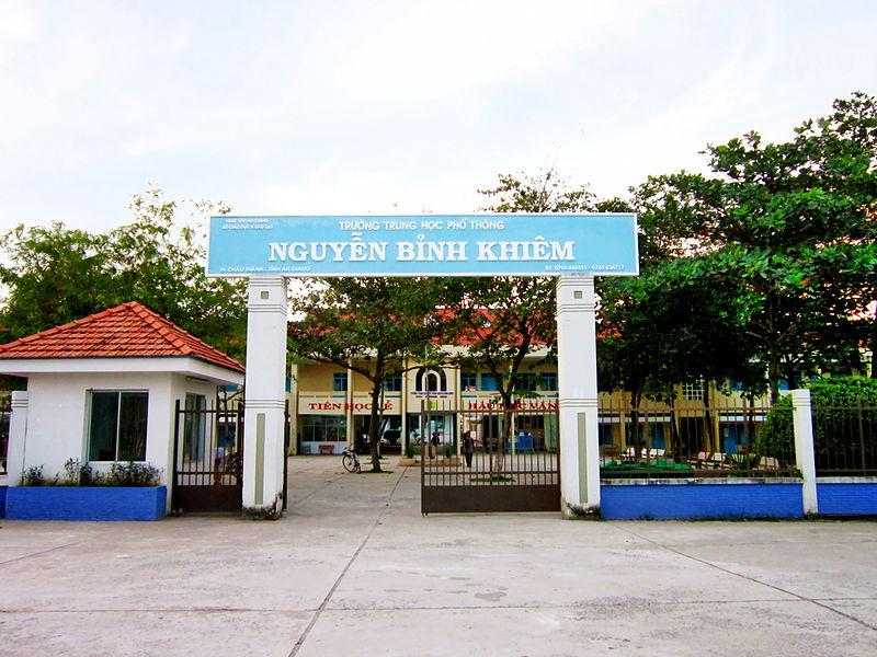Những năm qua, Trường THPT Nguyễn Bỉnh Khiêm chú trọng dạy chữ- dạy người với phương châm