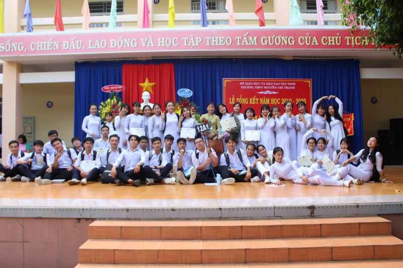 Chặng đường 37 năm hình thành và phát triển của Trường THPT Nguyễn Chí Thanh là cả một chặng đường dài cùng những thành tựu đầy tự hào về sự nghiệp giáo dục