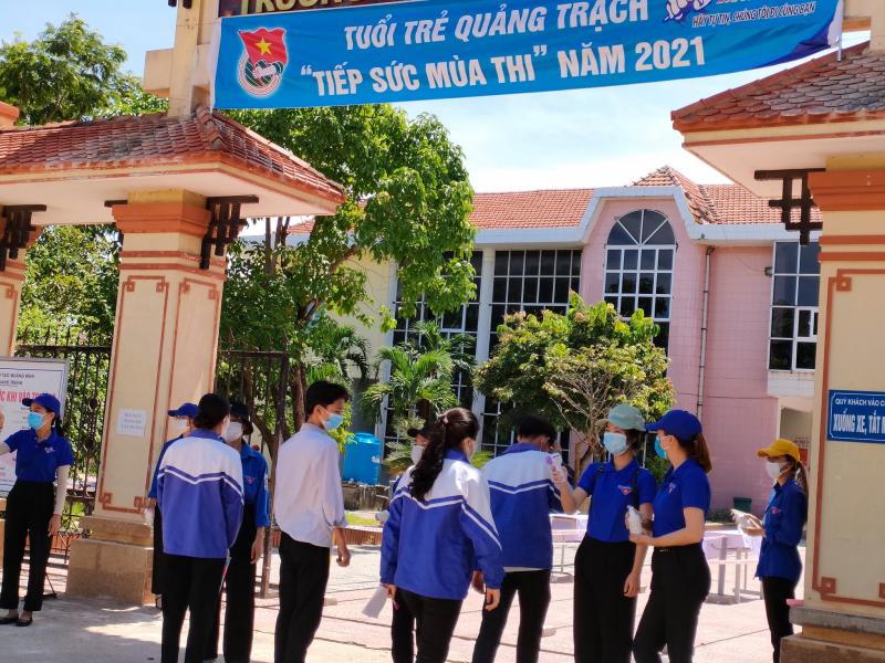 Trường THPT Quảng Bình