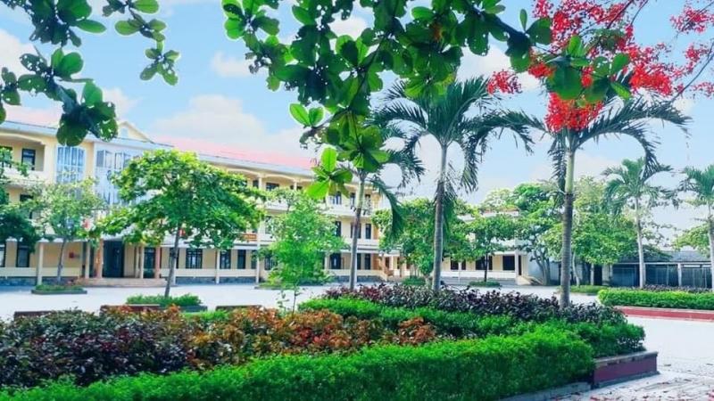 Trường THPT Quảng Ninh