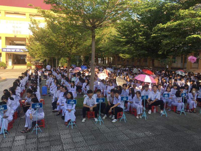 học sinh của THPT Tây Ninh còn là lực lượng tiên phong trong phong trào thi đua hai tốt, các sinh hoạt mang tính xã hội hóa rộng lớn
