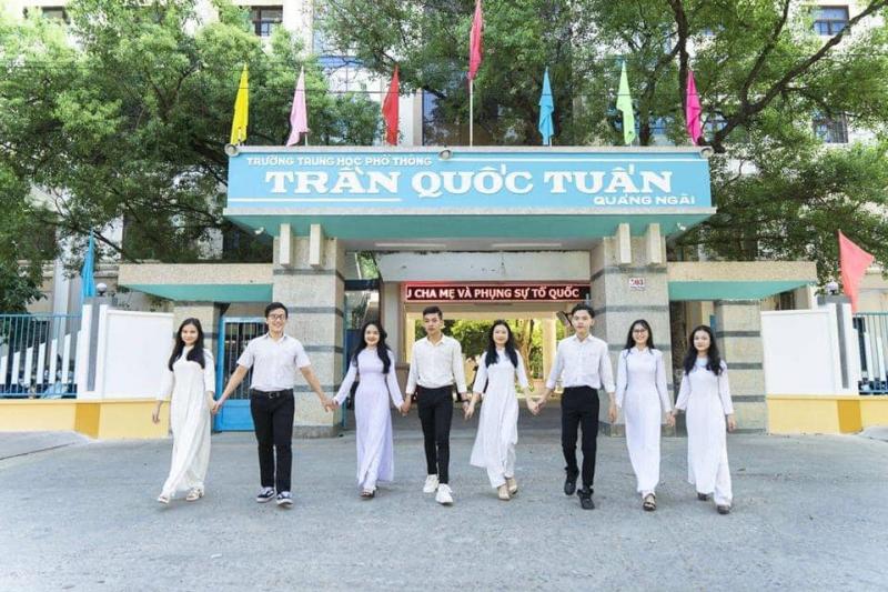 Trường THPT Trần Quốc Tuấn