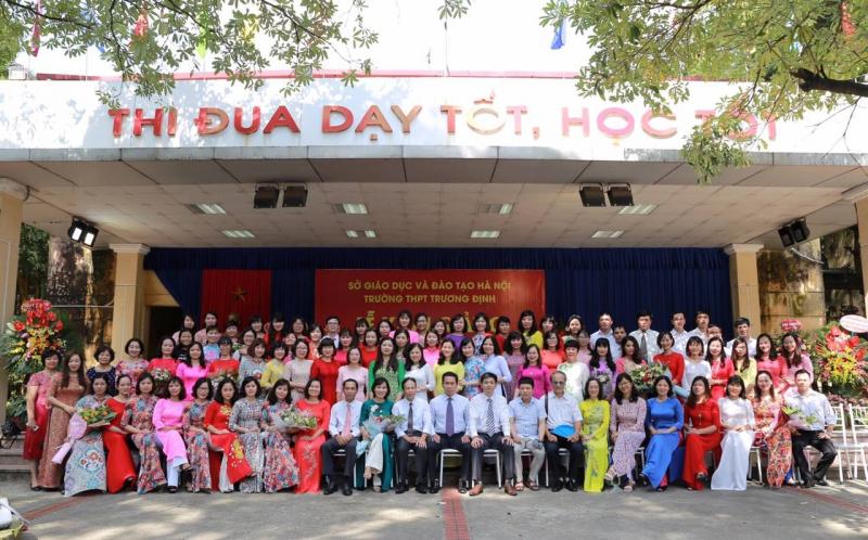 Giáo viên Trường THPT Trương Định