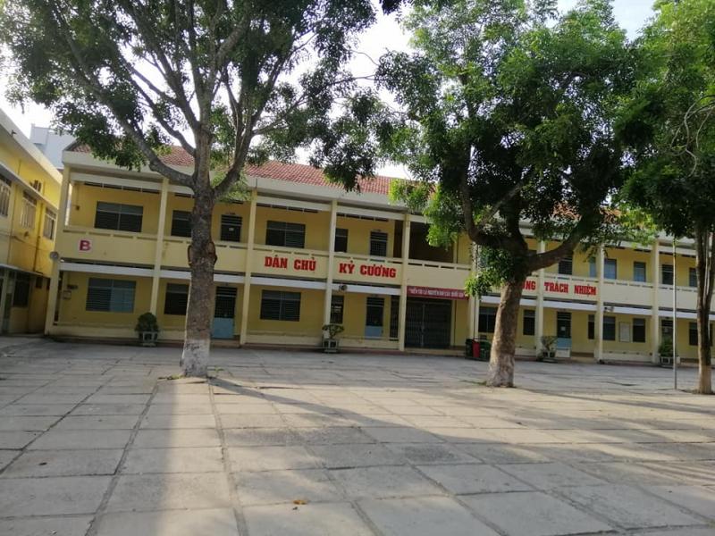 Tại Châu Đốc, An Giang, Trường THPT Võ Thị Sáu ghi dấu ấn trong lòng người dân là một ngôi trường có bề dày truyền thống về chất lượng giáo dục.