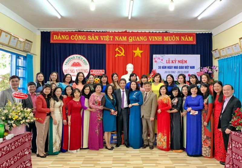 Trường Tiểu học Hùng Vương