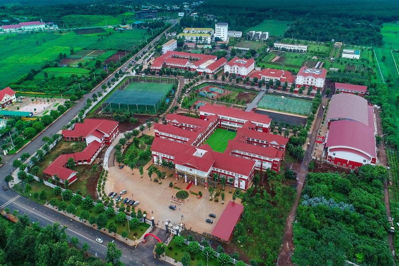 Trường Tiểu học, THCS và THPT Hoàng VIệt